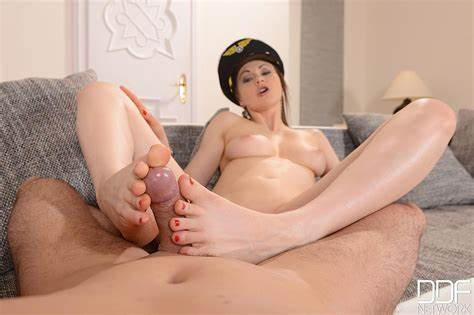 Fascinating Girls Tina Kay Get Tina Kay Can Pilot Off With Masturbate