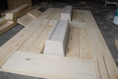 build  diy patio table  built  beerwine coolers
