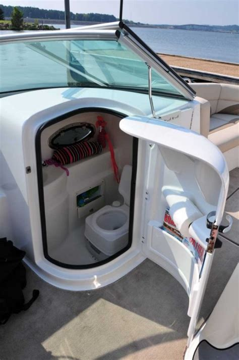 Boat With Bed And Bathroom by Research 2015 Nauticstar Boats 243 Dc On Iboats