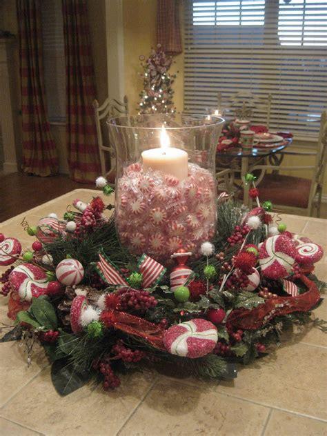 christmas centrepieces peppermint centerpiece tablescapes centerpieces pinterest