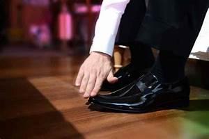 Comment Nettoyer Du Cuir : comment nettoyer une chaussure en cuir 3 tapes ~ Medecine-chirurgie-esthetiques.com Avis de Voitures