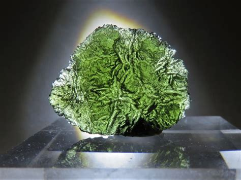 Excellent Moldavite  27 X 20 X 095 Cm  2500 Ct