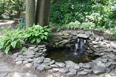 Teich Für Kleinen Garten by Teich Mit Wasserfall 31 Tolle Bilder Archzine Net