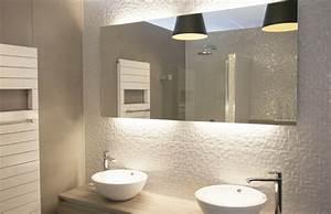 Moderne Hängeleuchten Design : badezimmer deckenleuchte 53 beispiele und planungstipps ~ Michelbontemps.com Haus und Dekorationen