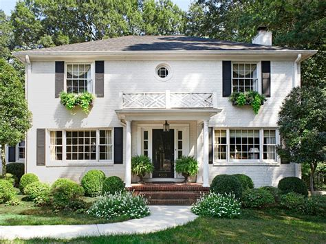 Tour An Updated Traditionalstyle Home Hgtv
