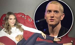Eminem's daughter Hailie Scott flaunts her abs in snap ...