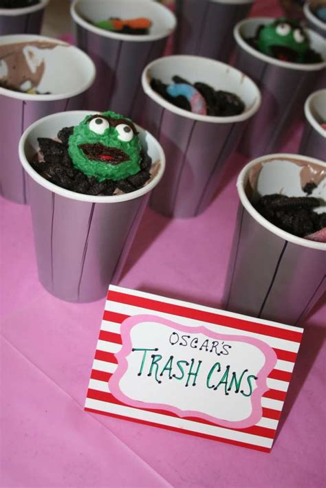 elmo birthday party ideas photo    catch  party