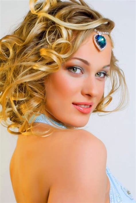 hairstyles for medium length hair for prom hairstyle for
