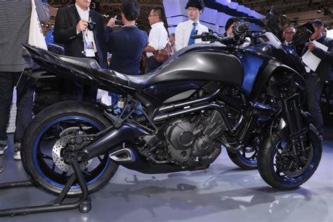 Yamaha's Three-wheeler, The Mwt-9 Concept, Has The Right