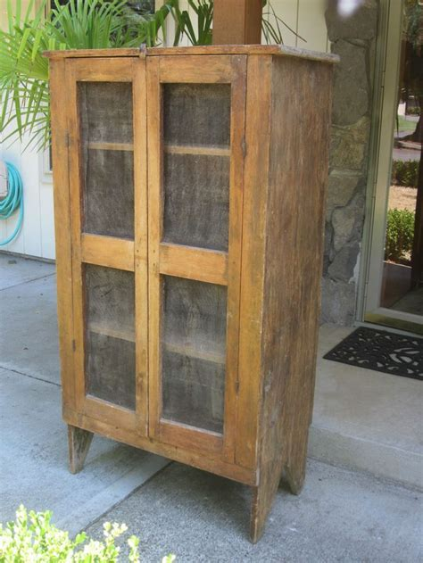 Antique Wooden Pie Safe   WoodWorking Projects & Plans