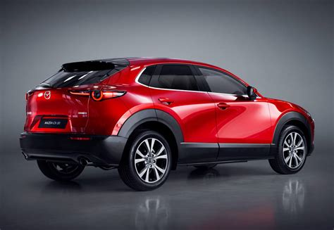 It went on sale in japan on 24 october 2019, with global units being produced at mazda's hiroshima factory. La Mazda CX-30 llegó a las vitrinas europeas ...