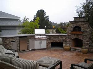 outdoor kitchen on pinterest outdoor pizza ovens pizza With outdoor kitchen pizza oven design