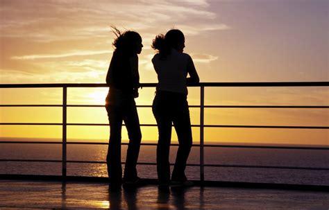 silhouette two zwei meisjes silhouet twee zwart ragazze anneriscono siluetta due silueta dos ok schattenbild ferry noire filles deux schwaerzen