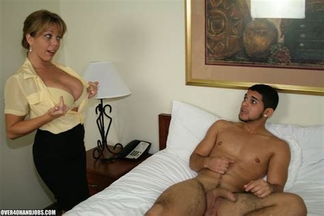 Handjob Lesson With Mrs Amber Bach