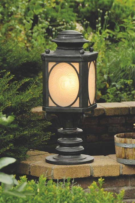 lanterne en fer forg 233 style lanterne de chemin de fer fabriqu 233 par les forges robers en