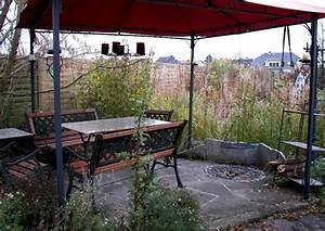 Grillplatz Bauen Garten : schwimmteich mit insel und grillplatz ~ Markanthonyermac.com Haus und Dekorationen