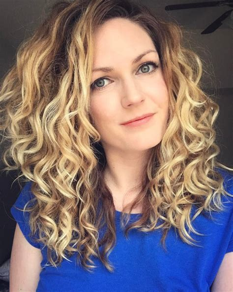 how to style 2c hair type 2c curly hairstyles hairstyles 7321