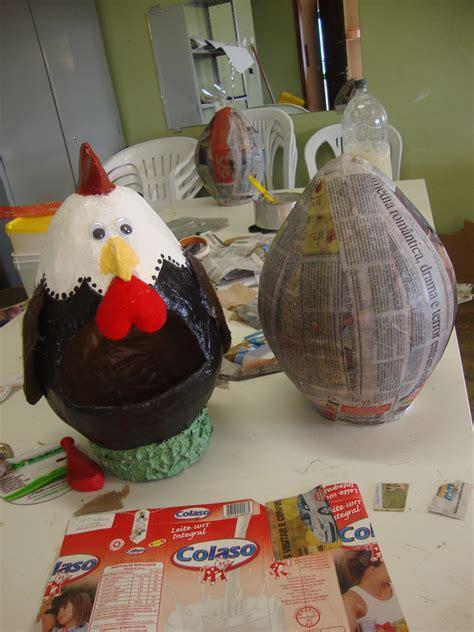 creative crafts ideas galinha porta ovos feita papietagem na bexiga 1810