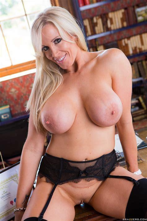 Blonde Woman Likes Kinky Sex Adventures Photos Mea Melone
