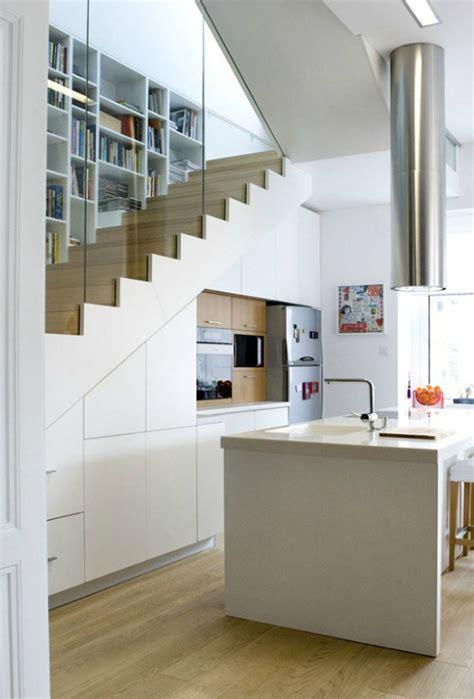 foto cocina bajo hueco escalera de miv interiores