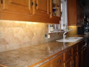 60 kitchen backsplash designs cariblogger - Cheap Glass Tiles For Kitchen Backsplashes