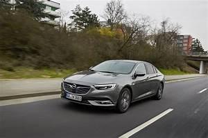 Opel Insignia 2017 : what dieselgate 2018 opel insignia adds new 2 0 biturbo diesel engine autoevolution ~ Medecine-chirurgie-esthetiques.com Avis de Voitures