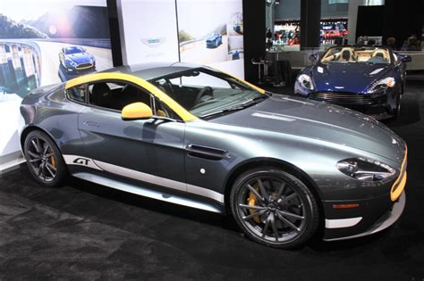 aston martin  replace vantage  vanquish   report