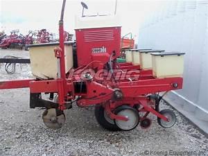 1981 International 800 Planter  2522975e  In Logansport  Indiana