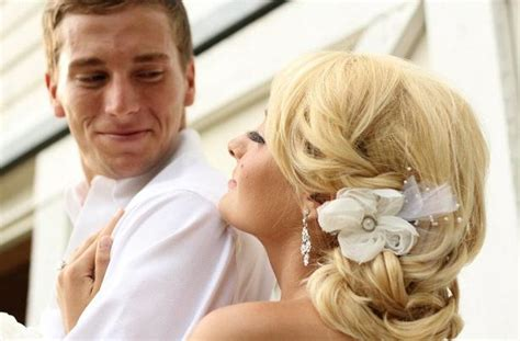 19 Simple Yet Beautiful Wedding Hairstyles