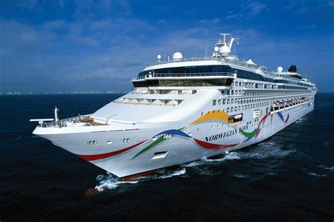 Cruises From Boston Cruise Deals From Boston Bermuda Cruises From Boston At Vacation Outlet