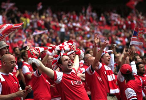 desperate arsenal fan pens letter   queen