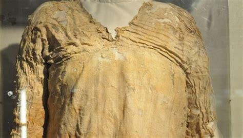worlds oldest woven dress   egypt