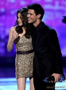 Kristen Stewart y Taylor Lautner en el People's Choice ...