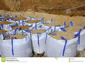 Big Bag De Sable : sandbag white big bag sand sacks quarry royalty free stock ~ Dailycaller-alerts.com Idées de Décoration