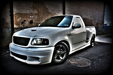 Ford Lighting Svt by Pin By Rene Soto On Ford Powwa Ford Lightning Ford