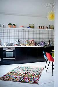 Teppich In Küche : bunter teppich 42 fantastische modelle ~ Markanthonyermac.com Haus und Dekorationen