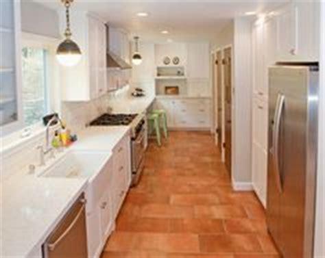 cottage kitchen decor 1000 ideas about terracotta tile on 4357