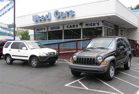 chrysler bans  dealers    car auctions