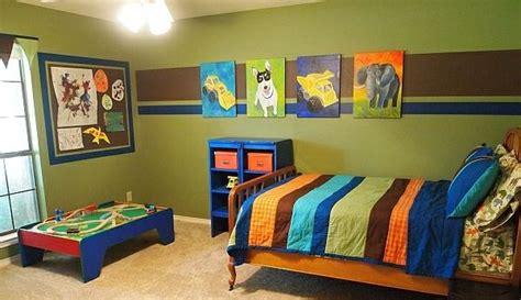 Kinderzimmer Junge Bett by Kinderzimmer Junge Bunt Bett Bild Kinderzimmer Kid