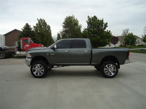 Want to see lifted 4th gen 2500   Page 2   Dodge Diesel