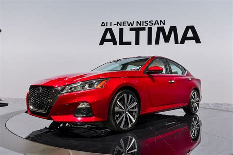 nissan altima review ratings specs prices