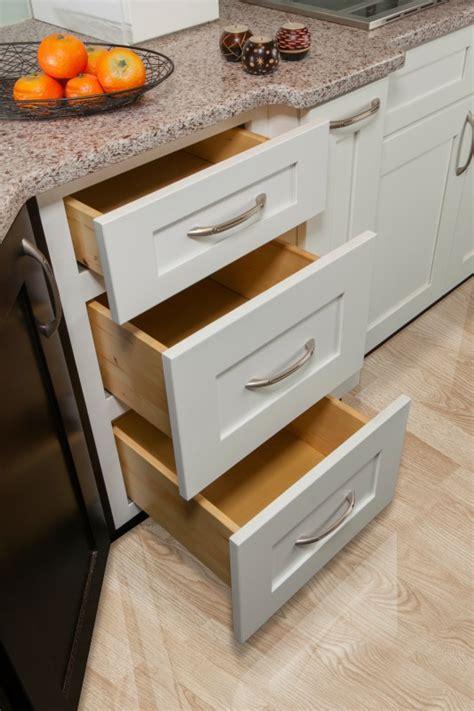 aspen white shaker ready  assemble kitchen cabinets kitchen cabinets