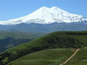 Mt Elbrus, Europe's tallest volcano (and mountain) : Volcanoes