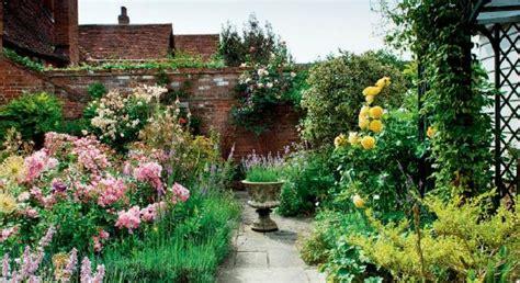 small garden design ideas  plants english garden