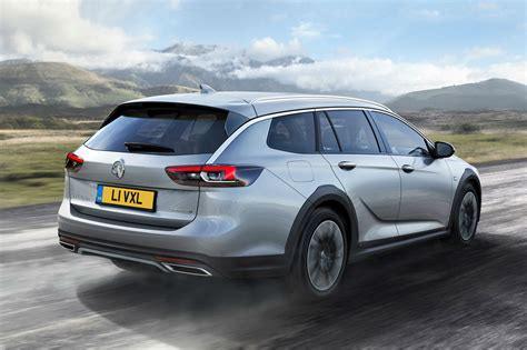 Vauxhall Insignia Country Tourer   Parkers