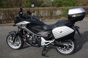 Moto Honda Automatique : honda nc750x dct mod le 2018 l 39 ge de raison objectif moto ~ Medecine-chirurgie-esthetiques.com Avis de Voitures