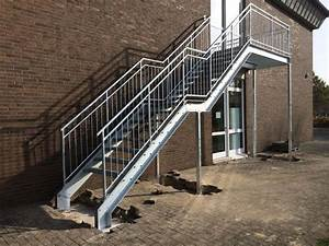 Treppen Im Außenbereich Vorschriften : treppen im au enbereich bauschlosserei schlump ~ Eleganceandgraceweddings.com Haus und Dekorationen
