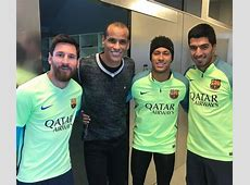 Barcelona legend hangs out with Messi, Neymar and Suarez