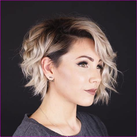 Amazing short curly haircuts for women to try out this season gone are the days when modern hairstyles meant straight and long hair. 23+ Short Layered Curly Hairstyles 2020, Popular Style!