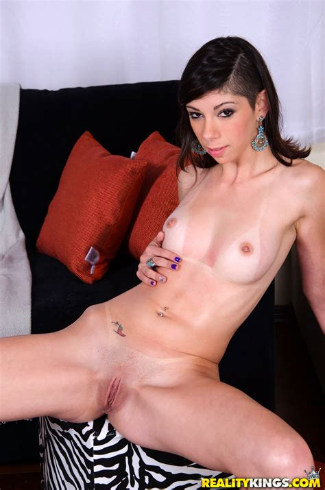 Slender Brunette Is Showing Her Shaved Pussy Photos Leticia Angel Milf Fox